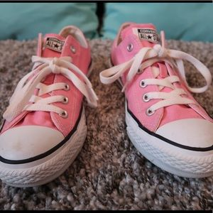 Low Rise Pink Converse